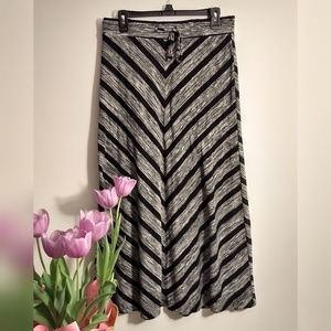 Maurices Gray and Black Maxi Skirt